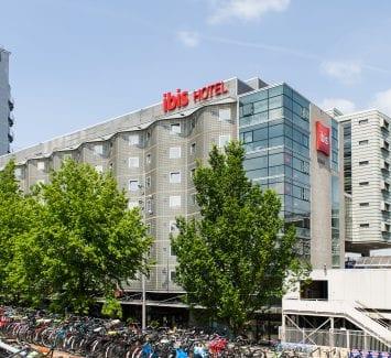 LLumar warmtewerende glasfolie - Ibis Amsterdam Centre