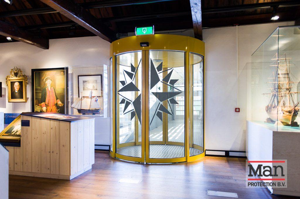 Marinemuseum - UV- en lichtwerende glasfolie